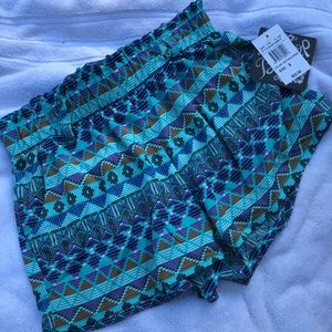 BeBop Multi colored printed shorts Size S